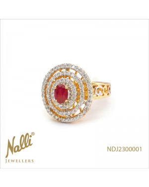 DIAMOND LADIES RING WITH RUBY
