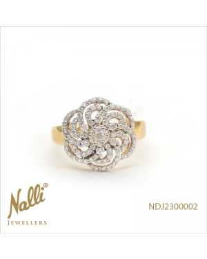 FANCY LADIES RING WITH DIAMONDS