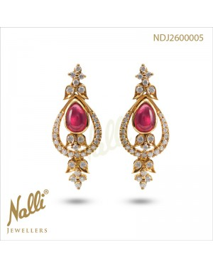 DIAMOND EARRING WITH RUBY