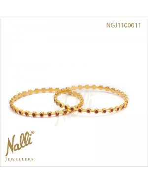 RUBY SINGLE LINE CLOSE SET BANGLE